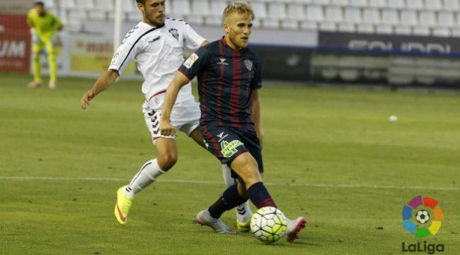 Samu Sáiz, mediapunta del Huesca, es uno de los referentes del equipo aragonés.