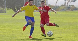 El Cádiz CF B goleó en El Rosal al Olímpica Valverdeña (5-1).