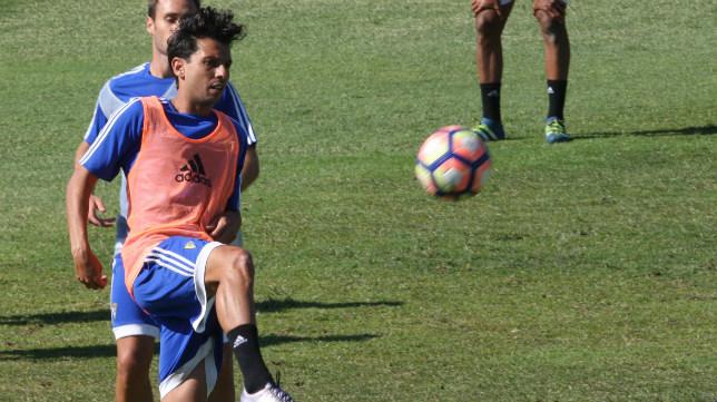Sergio Mantecón entrenó hoy por última vez con el Cádiz CF.