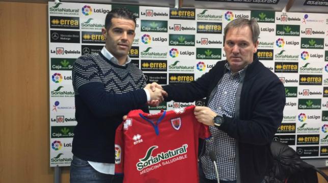 El lateral izquierdo Casado podría debutar este domingo como jugador del Numancia ante el Cádiz CF. Foto: CD Numancia.
