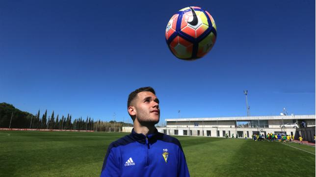 Ager Aketxe en un entrenamiento con el Cádiz CF en su primera etapa.