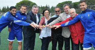 Miembros del Banco de Alimentos y del Cádiz CF muestran su unión (Foto CCF)