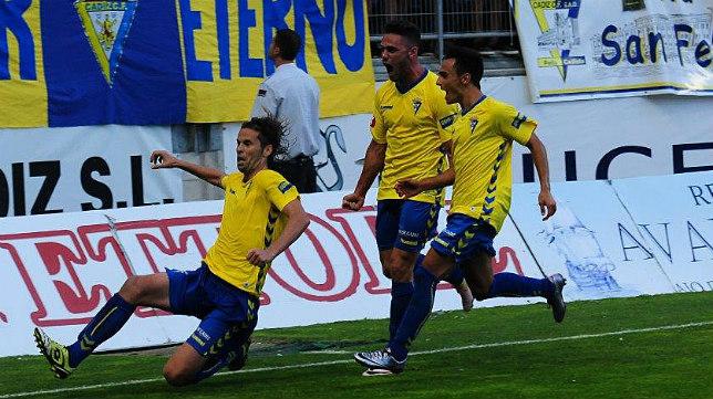 David Sánchez marcó desde los once metros el penalti que le hicieron a Lolo Plá.