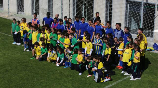 Los alumnos del gaditano colegio Argantonio estuvieron presentes en El Rosal.