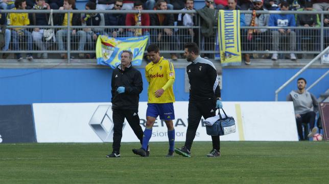 Garrido en el momento de la lesión ante el Tenerife