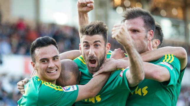 Los jugadores del Cádiz CF celebran un gol de la pasada temporada