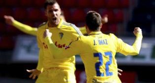 Imaz celebra su primer gol con el Cádiz CF