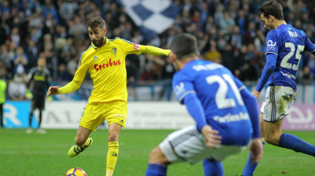 El cadista José Mari en el partido en Oviedo la temporada pasada.