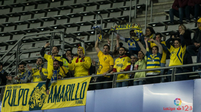 Los seguidores del Cádiz CF estuvieron en el Tartiere (Foto: LA LIGA)
