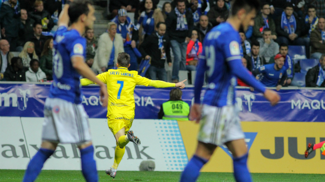 Salvi celebra su gol en el Carlos Tartiere