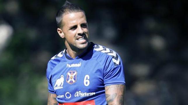 Vitolo, jugador del Tenerife, habla del partido ante el Cádiz