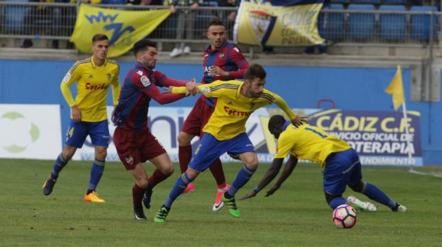 Levante y Cádiz han empatado tres veces en las tres ocasiones que se han medido la pasada temporada.