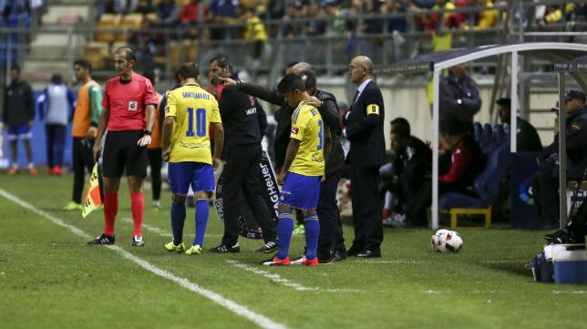 Gorka Santamaría, poco antes de saltar al terreno de juego en un partido de Copa ante el Córdoba.
