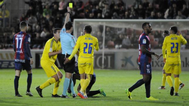El Cádiz CF volvió a ser perjudicado en Huesca.