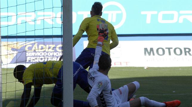 El gol de Ortuño empató el partido.