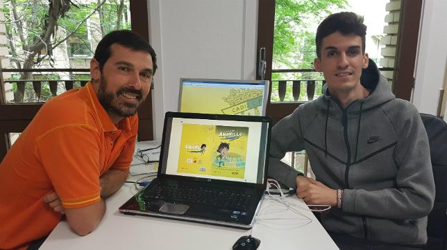 Daniel Pinilla y Luis Manuel Cabrera, creadores del cómic 'La vida en amarillo'