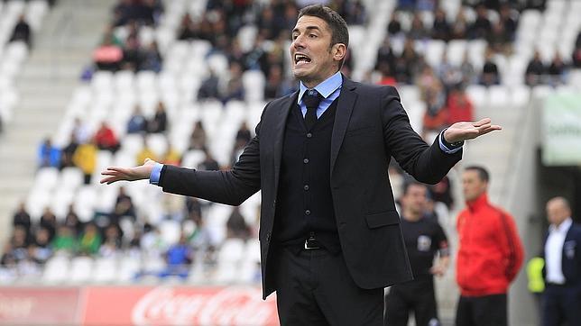 Julio Velázquez, entrenador del Alcorcón.
