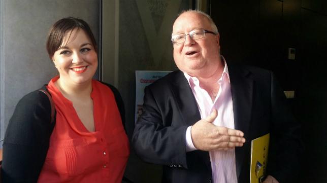 Carlos Medina, con su hija Elena.
