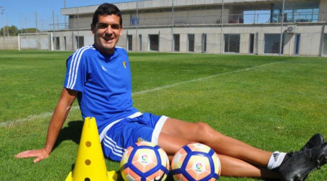Jon Ander Garrido posa para la web del club. CCF