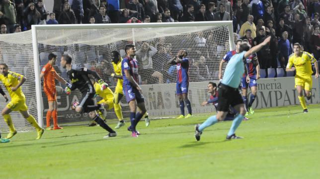 Pérez Pallas arbitró el Huesca-Cádiz CF de la temporada pasada.
