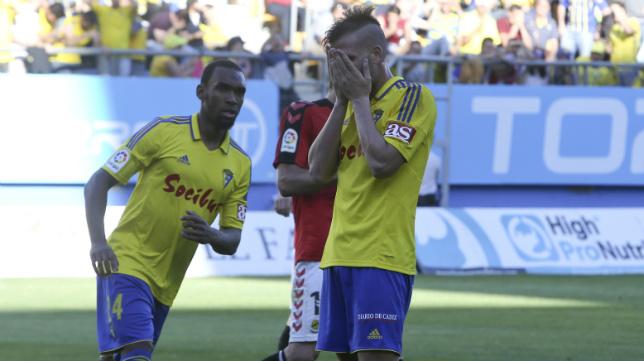 Ortuño, tras fallar su penalti ante el Nàstic.