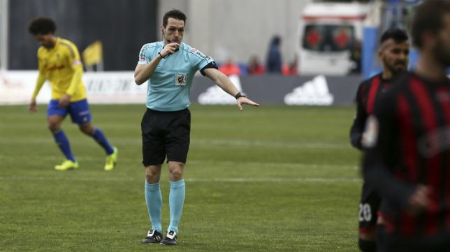 Prieto Iglesias ya ha arbitrado varias veces encuentros del Cádiz CF.