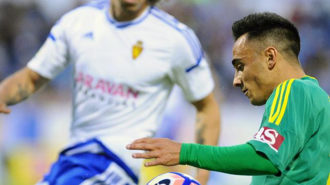 Álvaro García volvió dar muestras de su potencial físico en el tramo final sacando un balón como lateral.