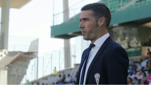 Luis Miguel Carrión, entrenador del  Córdoba.