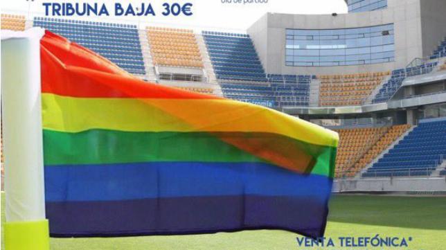 La bandera arcoíris presente en el cartel del partido ante el Nástic