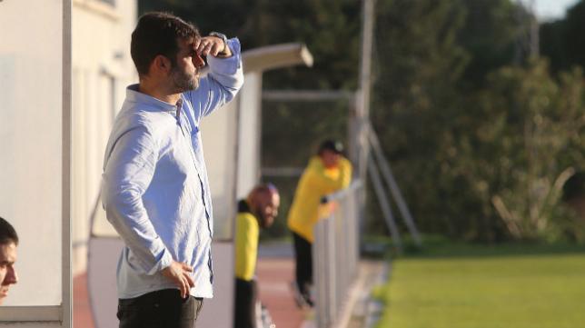 Mere. durante un partido del Cádiz B.