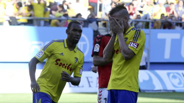 Ortuño se lamenta tras fallar el penalti ante el Nàstic de Tarragona.