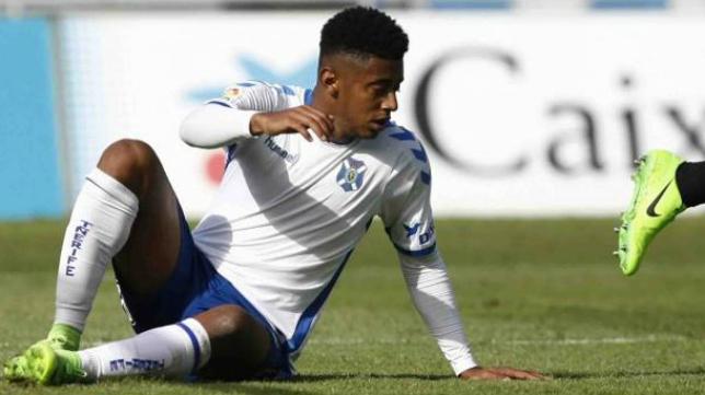 El Tenerife sigue en la zona de 'play off' de ascenso una semana más.