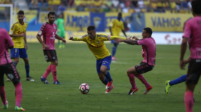 Aketxe marcó el gol de la victoria cadista ante el Tenerife.