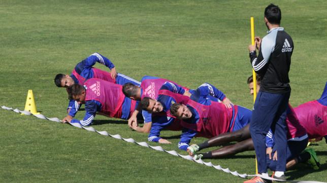 Los futbolistas completan uno de los entrenamientos en el Rosal.