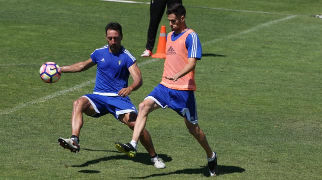 Rubén Cruz y Migue González, en un entrenamiento.