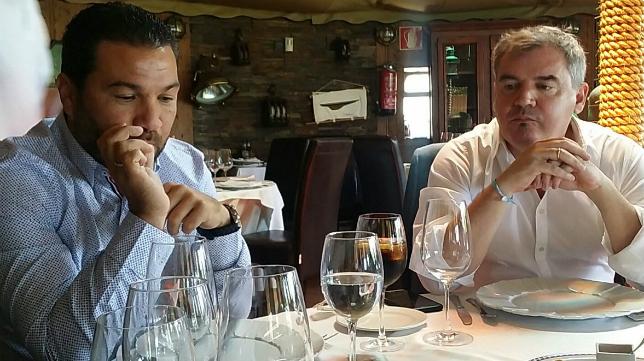 Juan Carlos Cordero y Manuel Vizcaíno en El Timón de Roche con Deportes Cope Cádiz.
