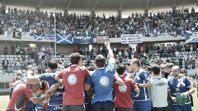El último ascenso del Tenerife fue a Segunda en el campo del Hospitalet y con Cervera en el banquillo.