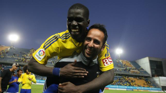 Sankaré celebra la clasificación del Cádiz CF para el 'play off'.