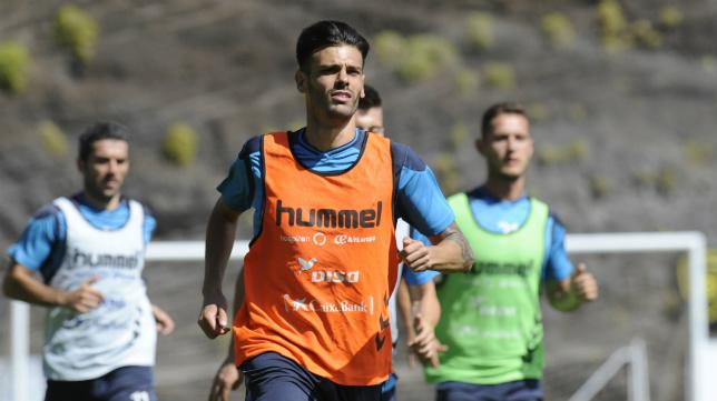 Tayron regresa al CD Tenerife, ahora en propiedad.