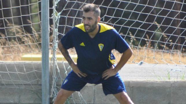 Alberto Perea sigue lesionado. Foto: Cádiz CF.