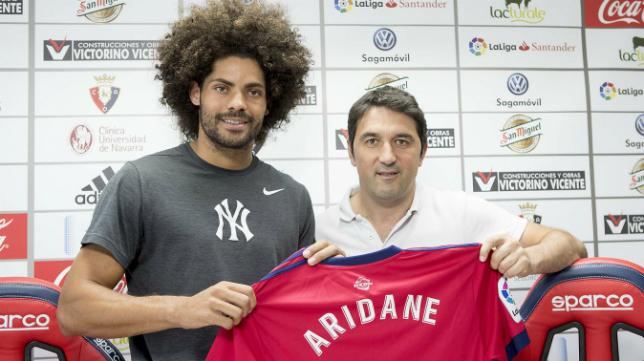 El excadista Aridane ha sido presentado como nuevo jugador de Osasuna. Foto: CA Osasuna.