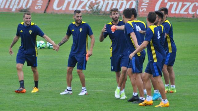 Imagen de un entrenamiento del Cádiz CF (Foto: Cádiz CF)