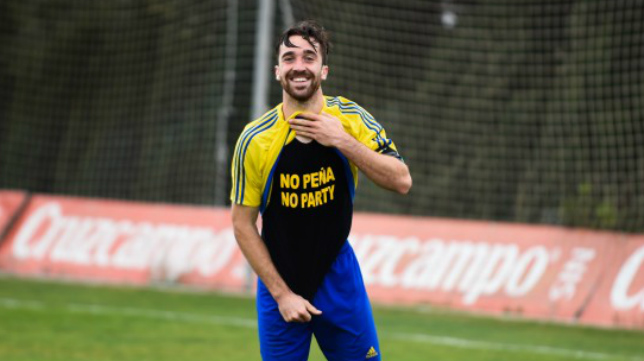 Manu celebra un gol en el filial.
