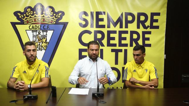 Juan Carlos Cordero presentó a Dani Romera y  Alberto Perea.