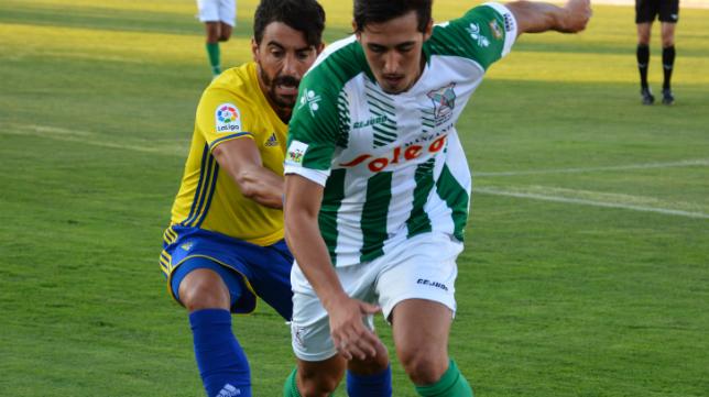Carpio, durante la visita del Cádiz CF a Sanlúcar de Barrameda esta pretemporada. Foto: Cádiz CF.