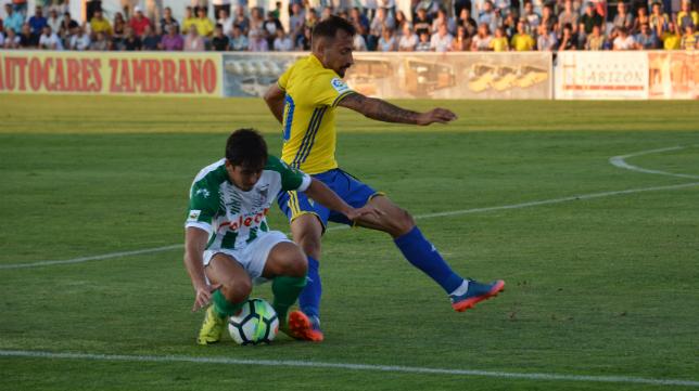 Aitor tuvo minutos en el encuentro ante el Atlético Sanluqueño. Foto: Cádiz CF.