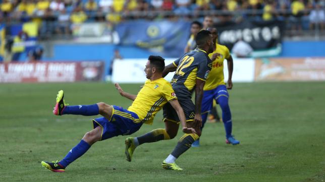 Rubén Cruz no estuvo fino en el Trofeo y acabó lesionado.