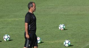 Álvaro Cervera, durante un entrenamiento del Cádiz CF.