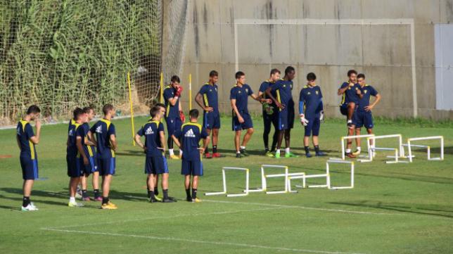 El Cádiz CF prepara su debut copero: Cádiz CF.