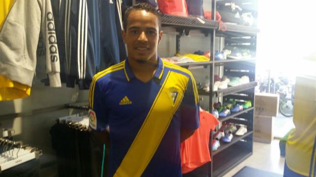 Lucas Bijker, nuevo lateral izquierdo del Cádiz CF.